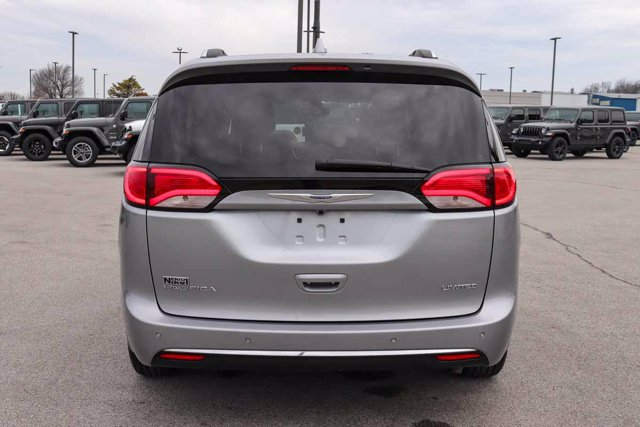 Pre-Owned 2019 Chrysler Pacifica Limited