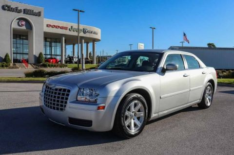 Pre-Owned 2006 Chrysler 300